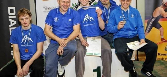 Maadlejad tõid Viljandist 4 medalit