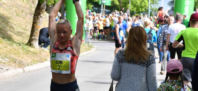 Narva Energiajooksul tulid poolmaratoni Eesti meistriteks Tiidrek Nurme ja Leila Luik
