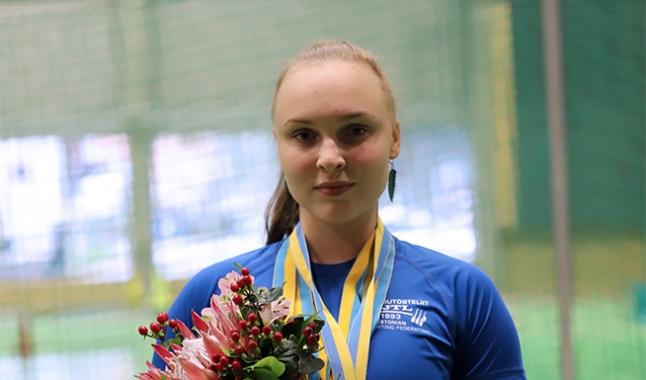 Eliise Mikomägi tuli klassikalise jõutõstmise noorte maailmameistriks!